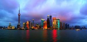 Die Skyline von Shanghai in China in China