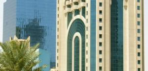 Typisch moderne Architektur in Doha, Katar in Katar