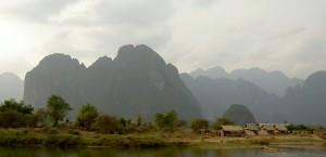 Kleines Dorf am Mekong in Laos in Laos