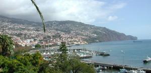 Panoramablick über die Stadt Funchal in Funchal