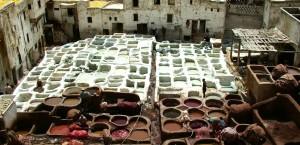 Traditionelles Gerberhandwerk in Fez, Marokko in Marokko