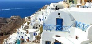 Blick auf die Insel Santorini in Griechenland in Griechenland