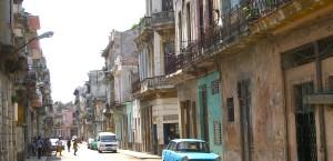 Typische Straße in La Havanna, Kuba in Kuba