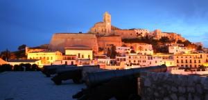 Die Altstadt, oder Dalt Vila, auf Ibiza in Ibiza