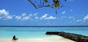 Entspannen an einem Strand auf den Malediven in Malediven