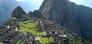 Blick auf die Inkastadt Machu Picchu in Peru