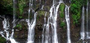Typische Wasserfälle auf der Insel La Réunion in Réunion