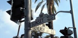 Straßenschild in Los Angeles mit zwei der bekanntesten Straßenzügen in Los Angeles
